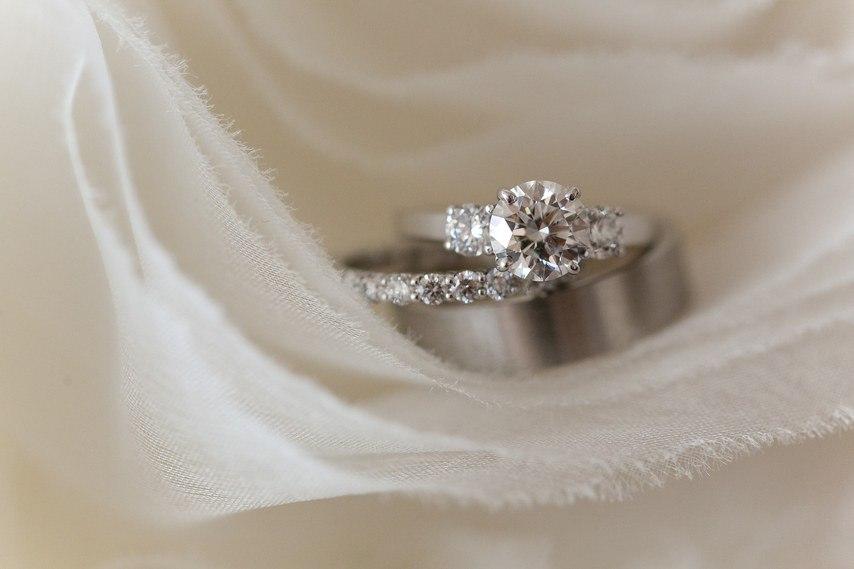 Кольцо невесты с тремя камнями (22 фото). Ведущий на торжество, ведущий на мероприятие в Волгограде, тамада на праздник. +7(937)-727-25-75 и +7(937)-555-20-20