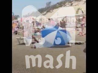На пляже в Анапе полдня пролежал труп мужчины