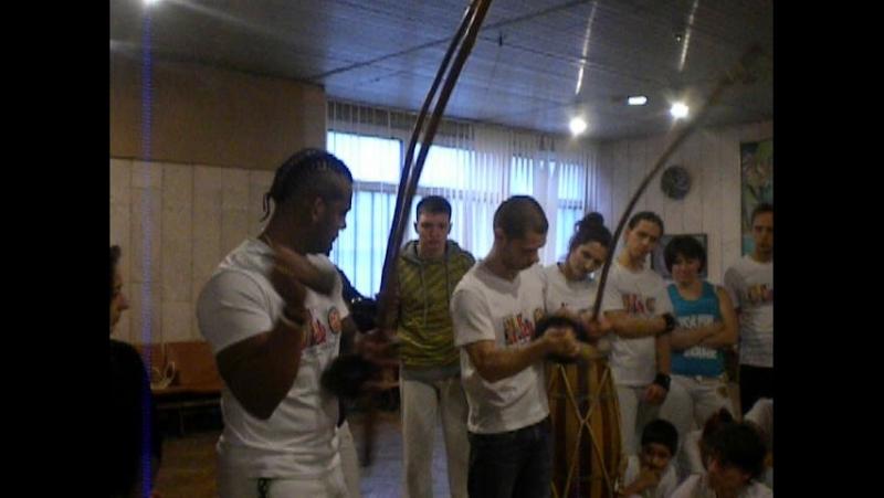 Мestre Dinho tocou Berimbao Viola