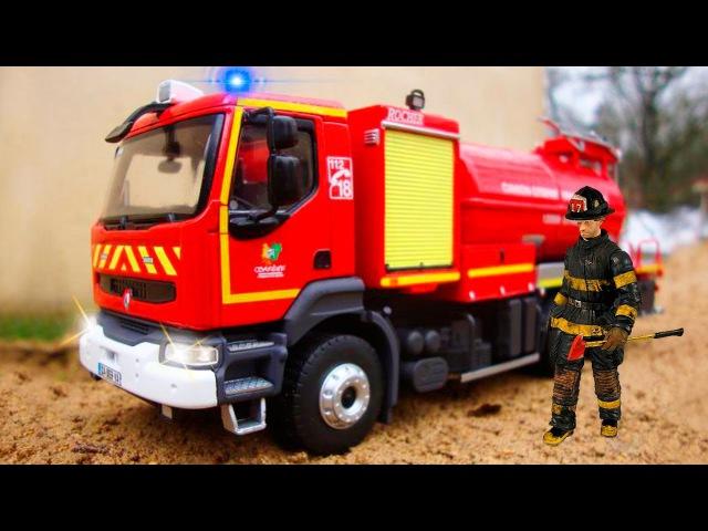 La Super Camion de Pompier et Voiture de Police avec l'Ambulance Bonne Nouvelle Dessin animé