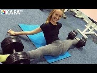 Crazy Strength & Flexibility Girls - Female Fitness Motivation.