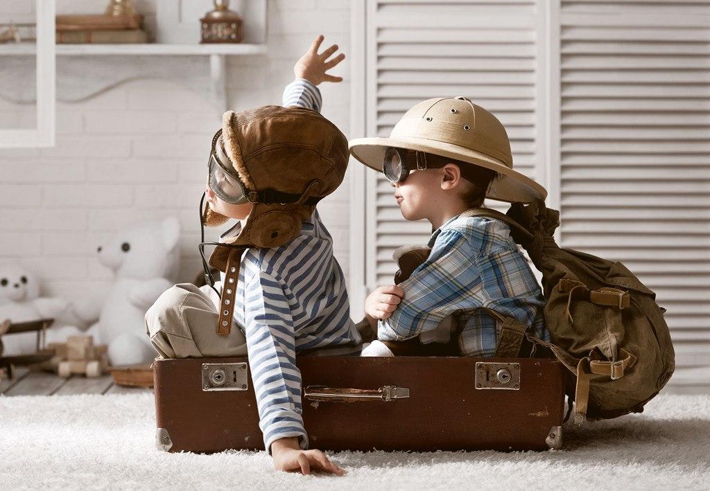 День, картинка о путешествиях с детьми
