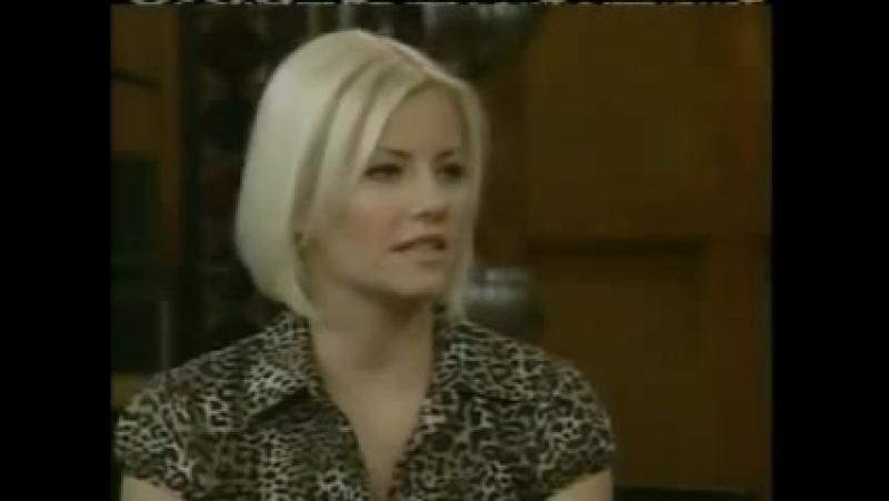 Elisha Cuthbert chez Regis et Kelly le 9 août 2006