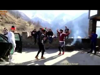 Мадина Чеченский танец зубайра в ударе