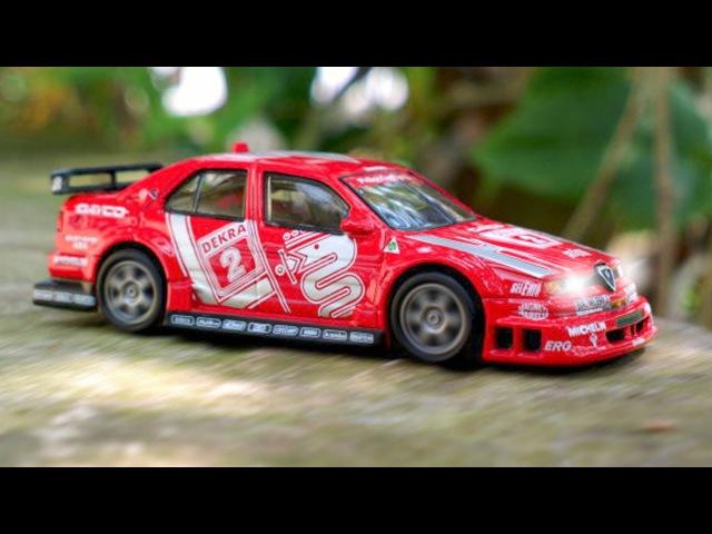 Auto de Carreras! La Excavadora en Auto Ciudad | Dibujos animados para niñas y niños