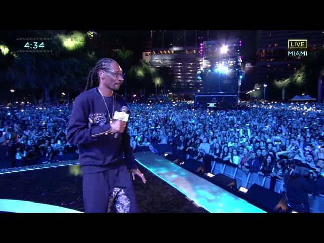 Snoop Dogg The Next Episode Nothin But A G Thang live New Year 2017