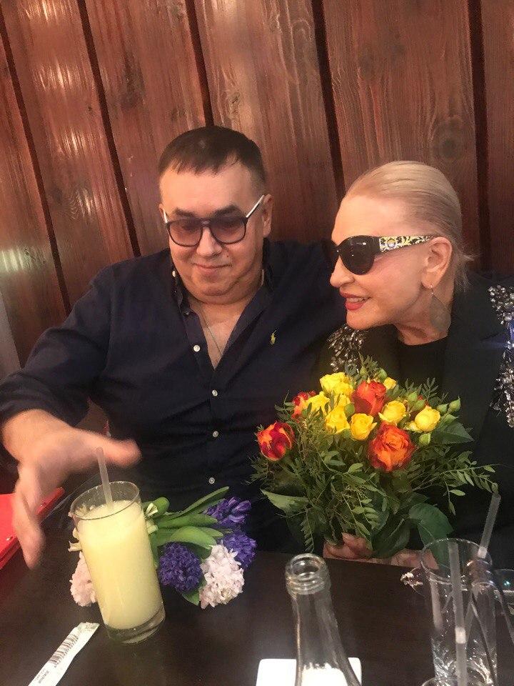 Маша Максакова:-Почитай отца твоего и мать ... или  вымой рот хозяйственным  мылом