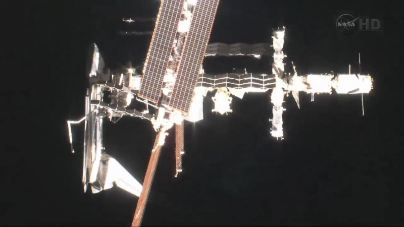 Шаттл Endeavour, пристыкованный к МКС (space shuttle Endeavour docked to ISS)