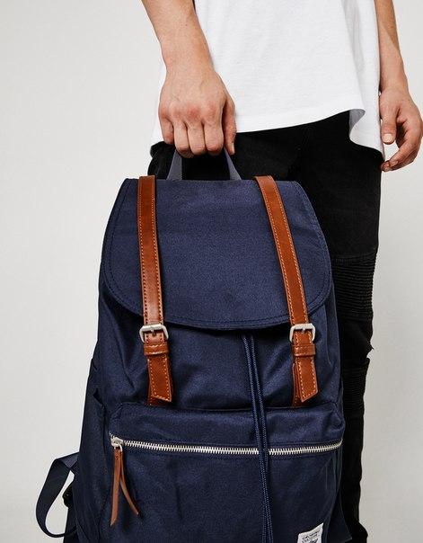 Рюкзак с пряжками
