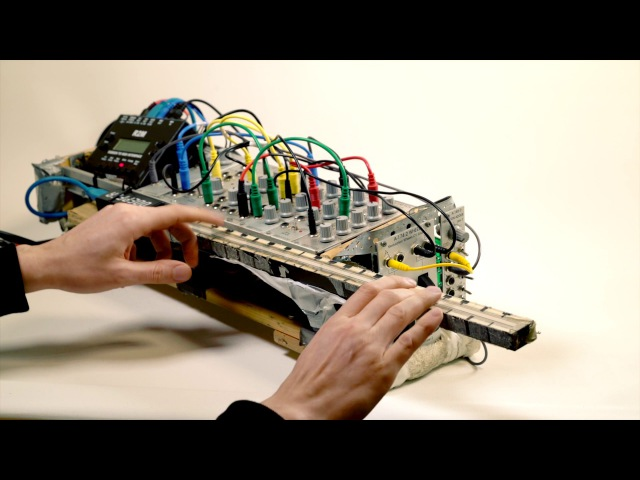 How does THE MODULIN work? - DIY Music Instrument