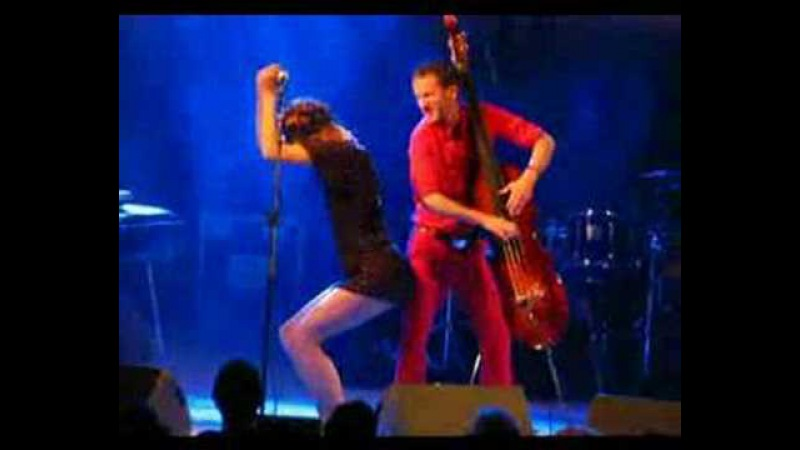 Nouvelle Vague Dancing with myself LIVE ATHENS 2008