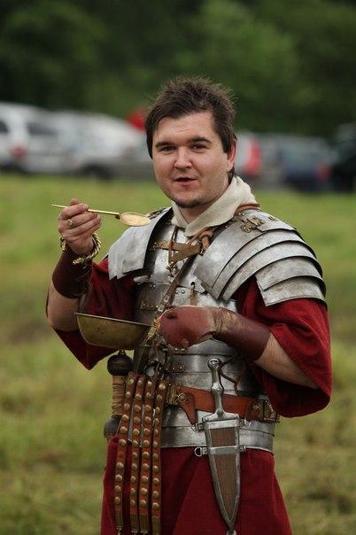 Покормите легионера