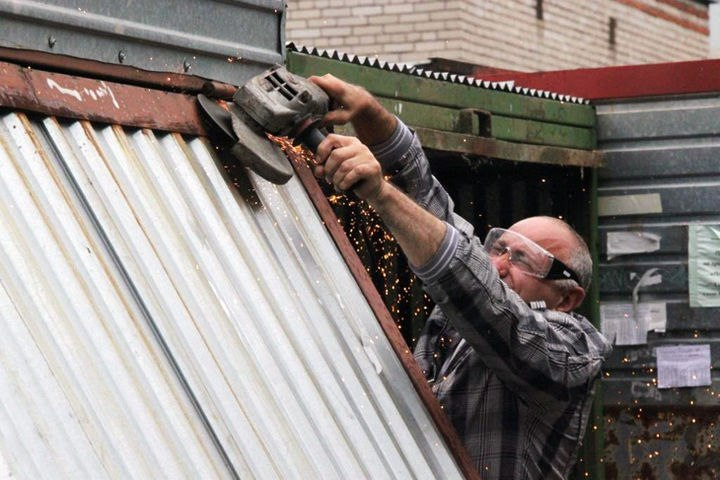 Снос самовольно установленных гаражей продолжается в Севастополе