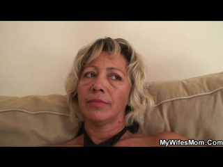 Fucking my hot girlfriends mom on the couch_hd