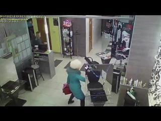 Нападение с ножом в парикмахерской в Кумертау