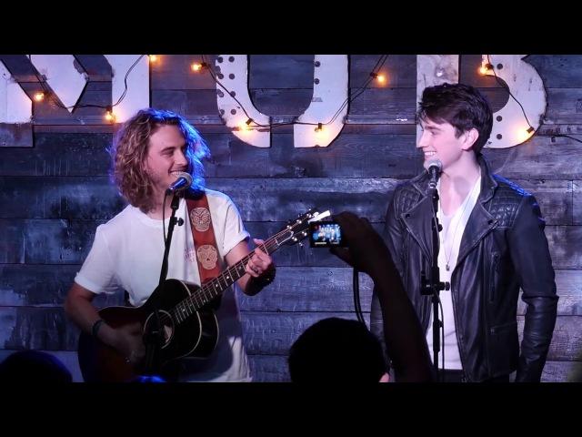 Manel Navarro feat Brendan Murray .- Castle on the hill (Ed Sheeran cover)