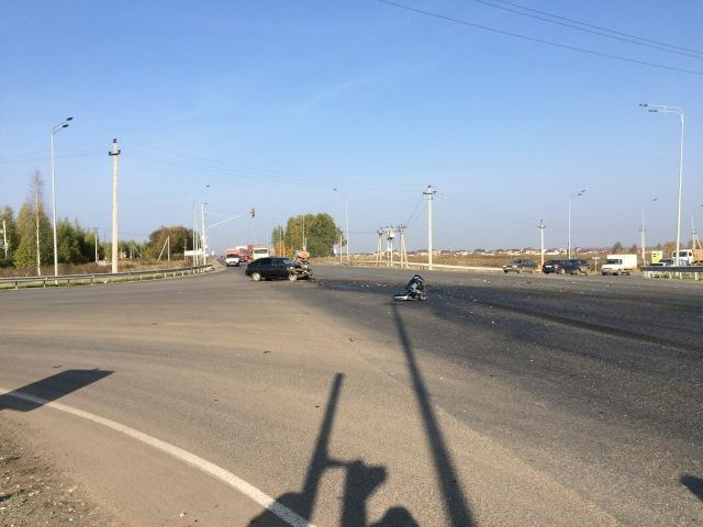 26 09 2016 Момент ДТП на объезной Славянского шоссе Тягач и ВАЗ 2112 Удмуртия