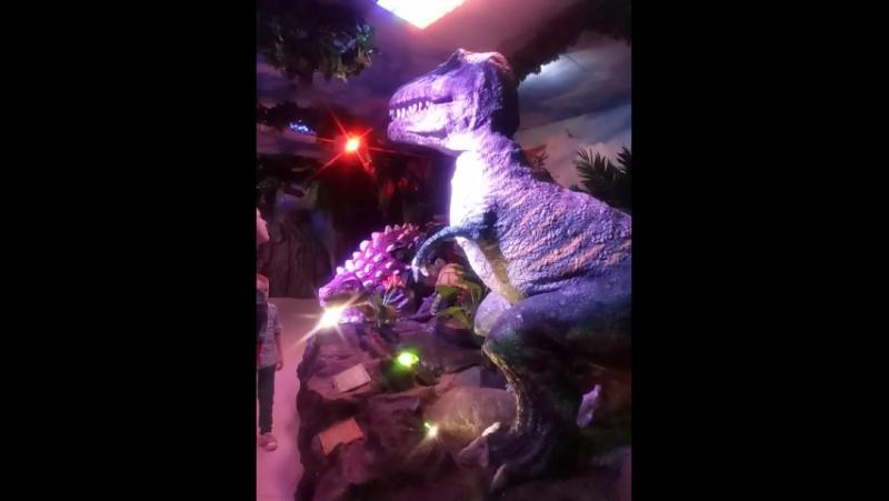 Динозаврия. Танец