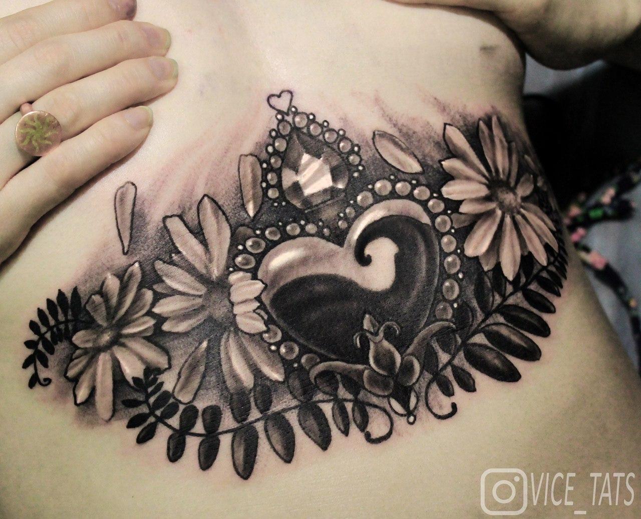 Художественная татуировка «Сердце». Мастер Дима Поликарпов