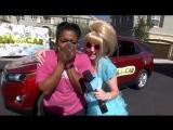 A Wonderful Mom Plays Cash at Your Car! RUS SUB