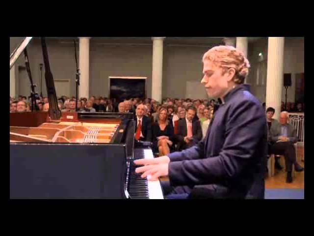Joseph Moog in concert - Chopin Sonata No2 IV