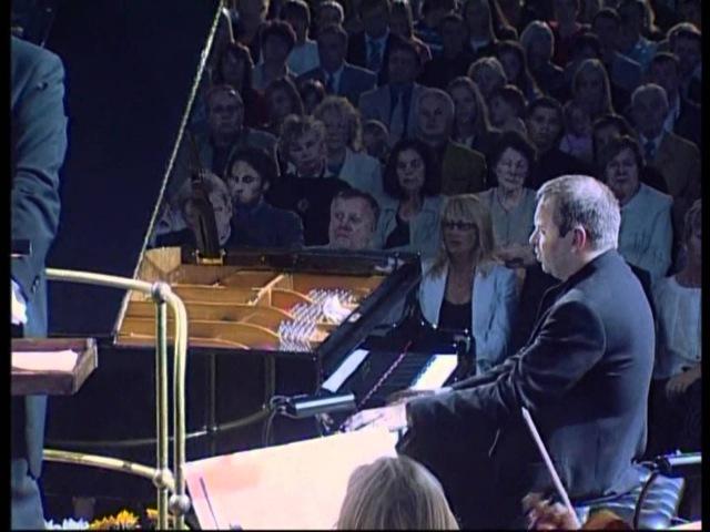Nikolai Alexeev, Eldar Nebolsin, ERSO, Rachmaninoff Piano concerto No 1 3rd mov