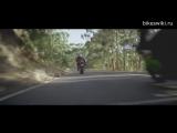 Социальная мото реклама Мотоциклисты и неожиданности на дороге.mp4