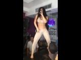Как она красиво танцует