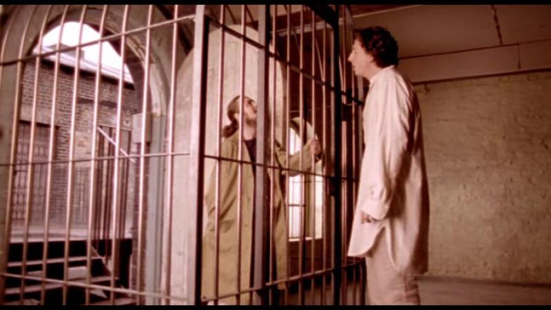Lock, Stock and Two Smoking Barrels.Directors Cut.1998.RUS.DVDRip.XviD.AC3_[tfile.ru]