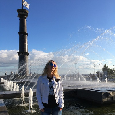 Анна Шестопалова