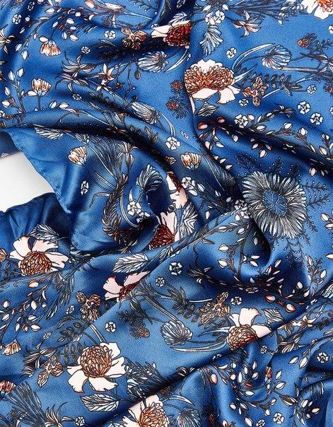 Платок из сатина с цветочным принтом