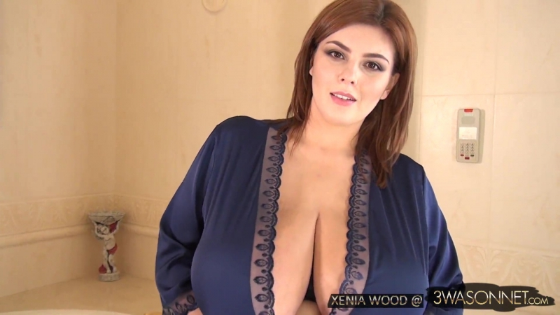 Xenia Wood (aka Нина Потрапелюк) - In An Open Robe [HD 1080, Big Tits, Ass, Busty, Beautiful, Model, Пышки, Сиськи, Украинки]