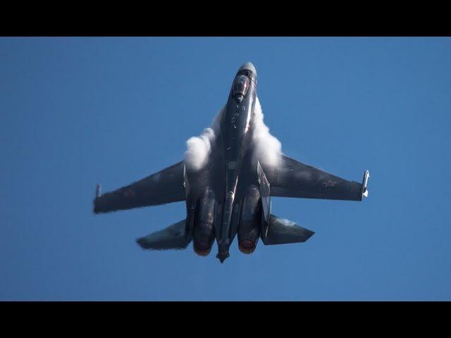 Русский балет в небе... Су-35 плюёт на все законы физики! Перевороты, петли, колокол...