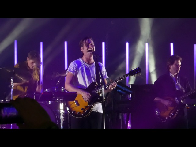 Foster the People - Sit Next To Me (live @ BBT Pavilion)