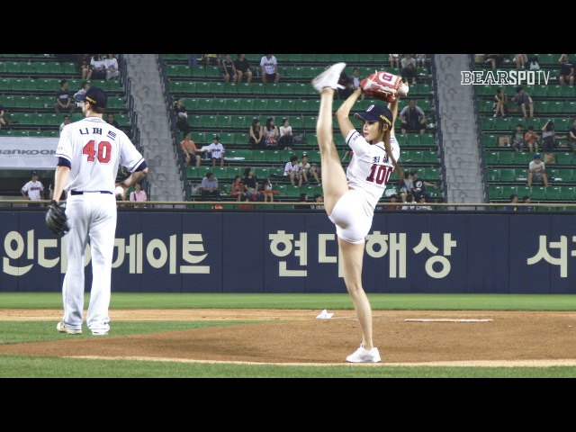 [오늘의 시구] 남자팬들을 홀린 머슬퀸, 최설화! (09.13)