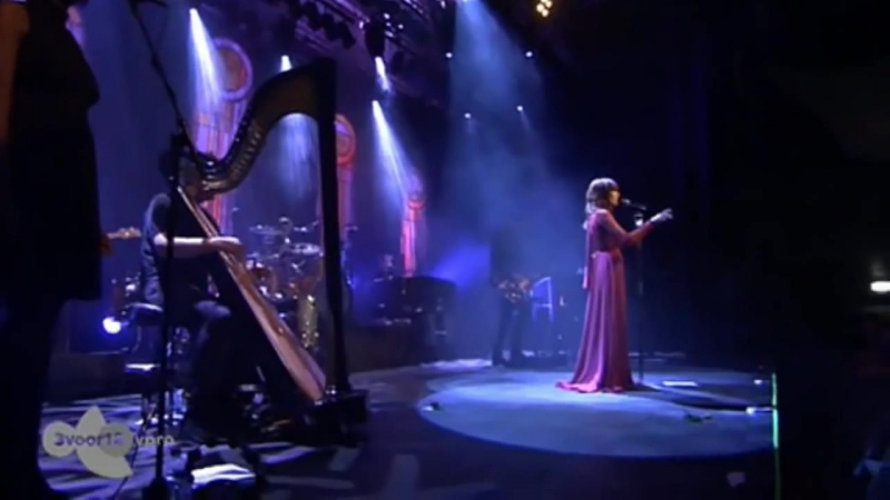 Florence The Machine - Never Let Me Go (Live at Effenaar)