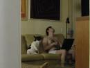 Жена тайком сняла видео, как муж танцует с собакой!:)))