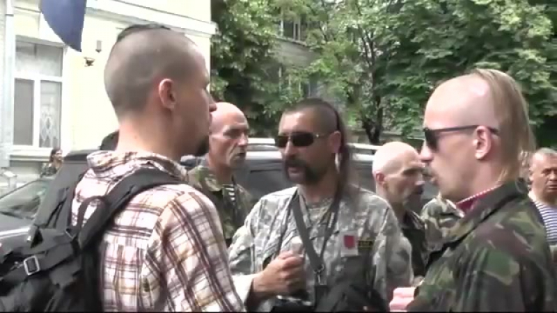 Американский посол на Украине Д.Теффт:«Особенно невозможно было слушать их гимн. Порой кажется, что в округе от этого завывания