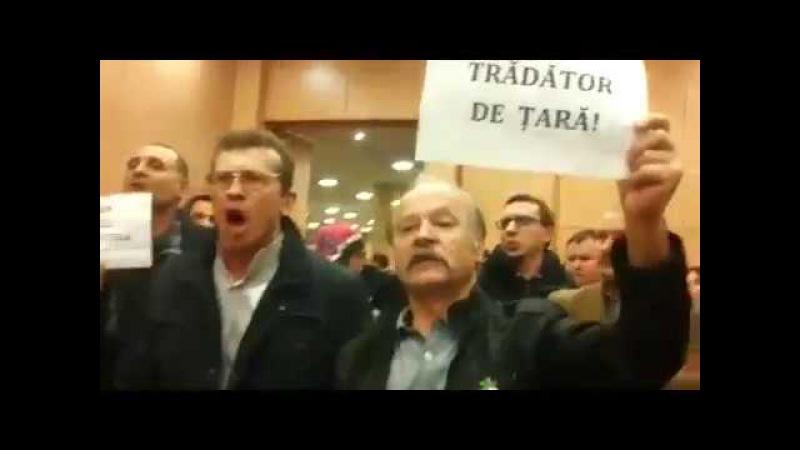 Dodon, huiduit la o întâlnire cu cetățenii moldoveni din Padova - Italia