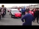 Китаец отбуксировал гениталиями 7 cеданов Audi Barnaul22