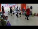танец мамы с сыном)