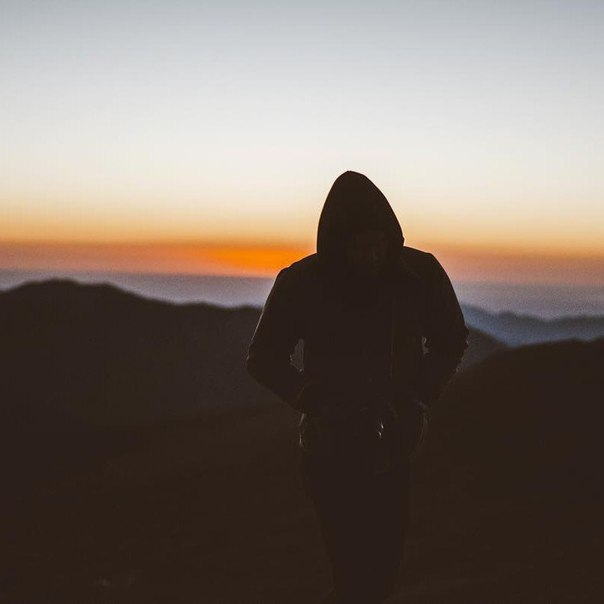 Когда тебе тяжело, всегда напоминай себе о том, что если ты сдашься, лучше не станет.