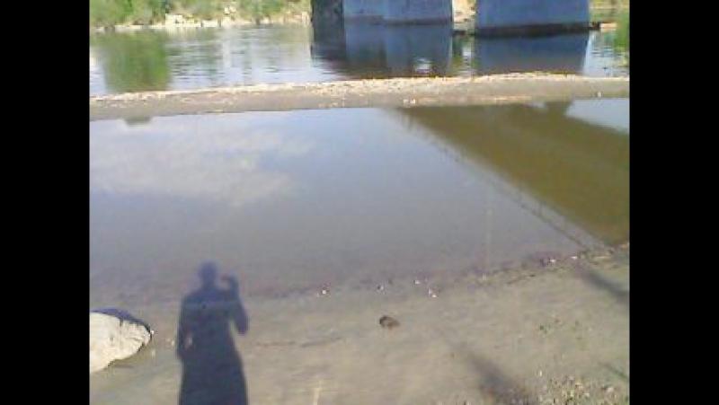 Андрейка прыгает 2 раз с Китойского моста.