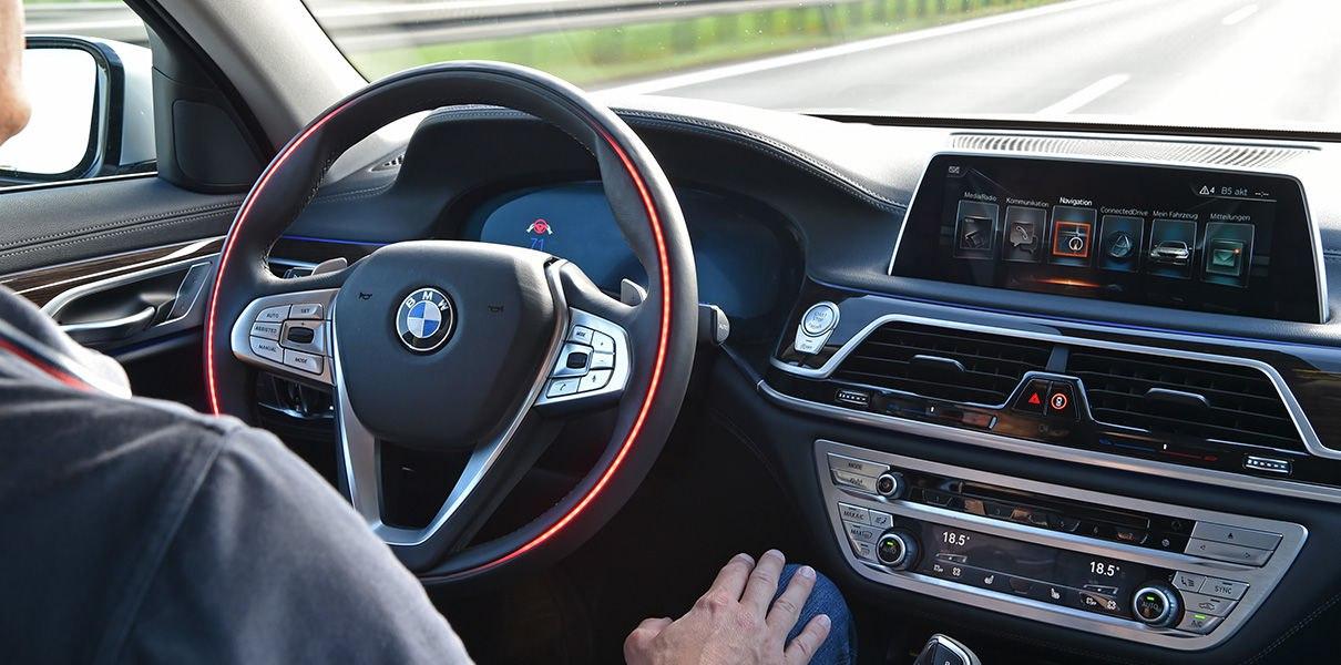 m_Y5xmK3haw Fiat Chrysler вошел в консорциум по разработке робомобилей
