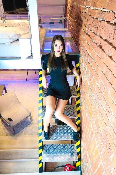 Ксения Гара, видеоблогер