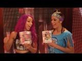 #SBMKV_Video | Саша Бэнкс и Бейли со своими фигурками от Funko.