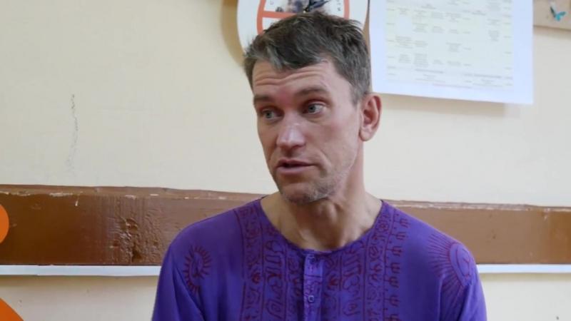 Йог, художник, галерист Алексей Сергиенко на Золотом Фестивале Yoga Family.