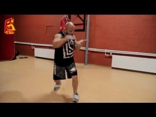 Упражнение на скорость ударов руками. Boxing. Hand speed rate
