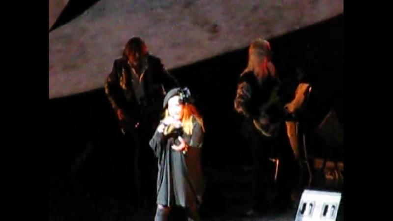 Алла Пугачева - Свеча горела на столе... live (Санкт-Петербург, 04.06.2009)