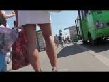 Самые сочные попки видео подглядывание под юбку